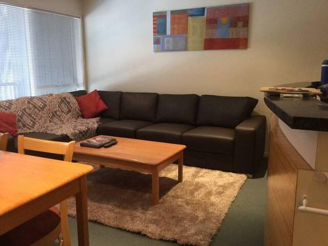 Elkhorn Apartment 10