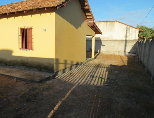 Casa ampla, típica de veraneio, em Mucuri-BA
