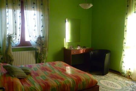 BB I Nove Faggi splendida villa - Belveglio - Bed & Breakfast