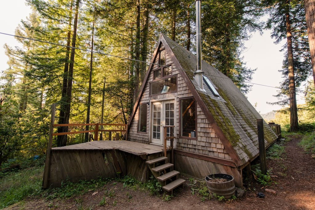 Cozy a frame cabin in the redwoods houses for rent in for Airbnb cabins california