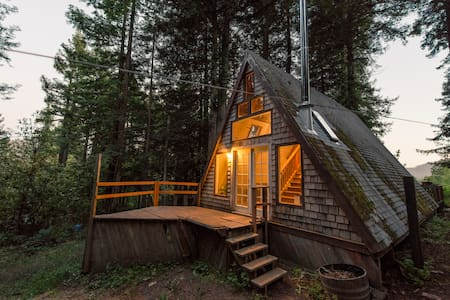 Cozy A-Frame Cabin in the Redwoods - Cazadero - Rumah