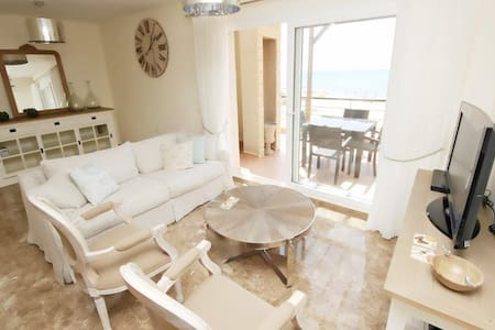 sleek,chic&very boutique penthouse - Famagusta Bay, Iskele - Pis