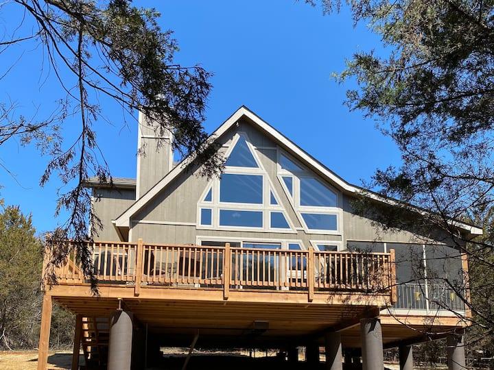 New 3bd/2bth chalet near Lake Aspen/Screened Porch