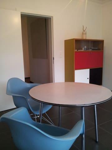 centraal gelegen modern appartement - Geel - Lägenhet