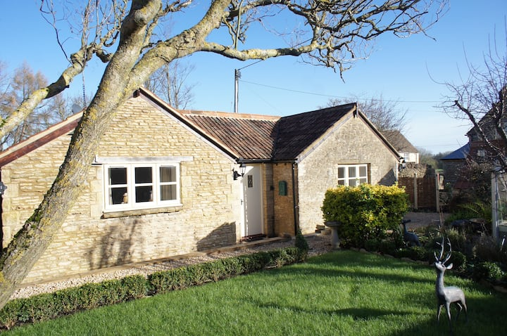 Mays Garden Cottage Luxury Cotswolds Rural Retreat