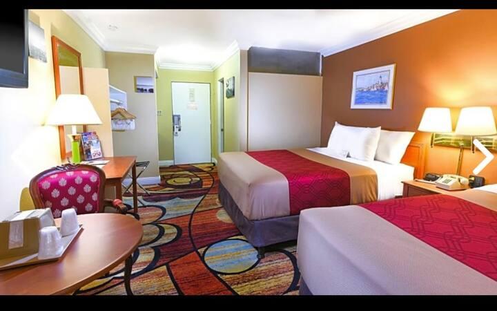 Vagabond Inn Rooms 5