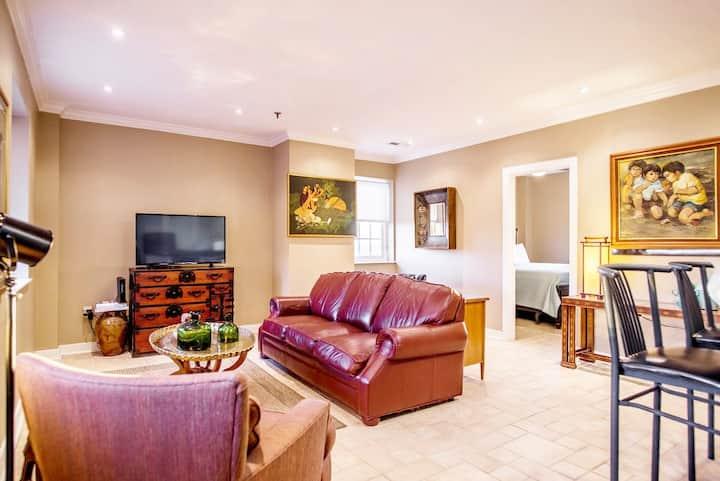 Artful Unhotel Suite in the Heart of Winston-Salem