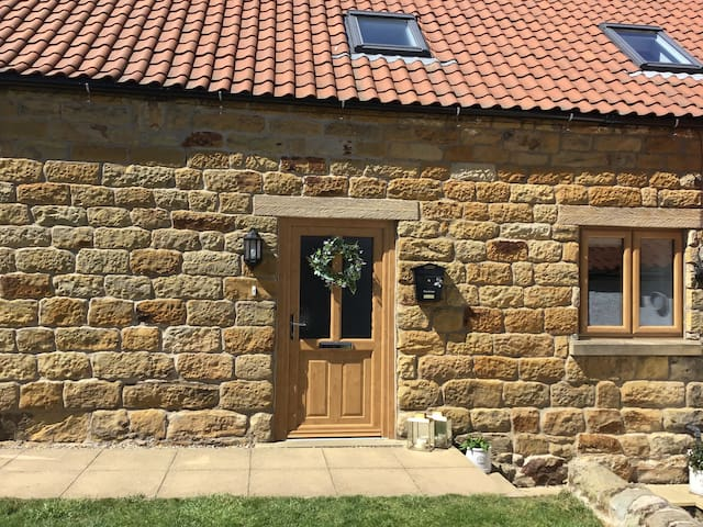 The Annex lovely barn conversion - dog friendly