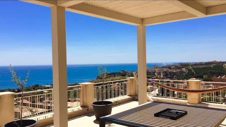 Splendide penthouse et vue sur mer