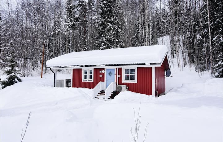 Stunning home in Sysslebäck with WiFi and 3 Bedrooms