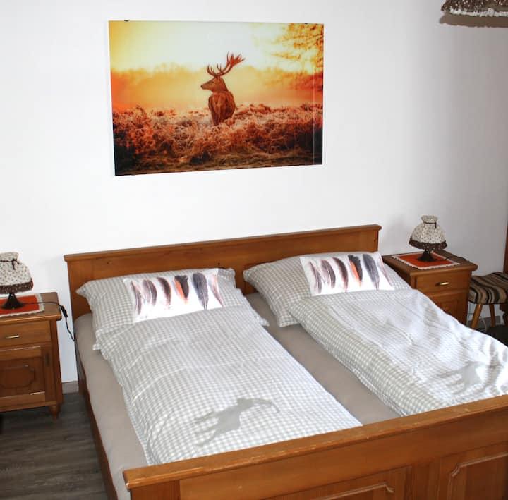 gemütliches Doppelbettzimmer Hirsch im Haus Kofler