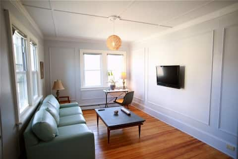 Private One Bedroom Large Apartment