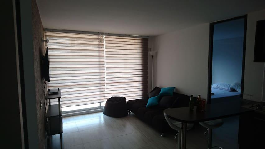 Excelente ubicación y comodidad - Ricaurte - Apartamento