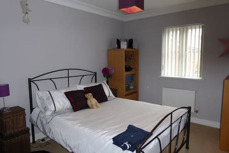 Newly Decorated Double Room - Angmering