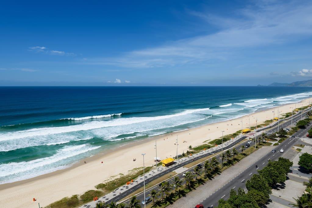 Vista para praia da Barra da Tijuca, sentido Recreio dos Bandeirantes.
