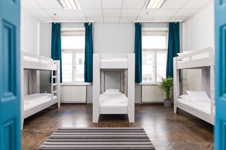 6 beds Dormitory room