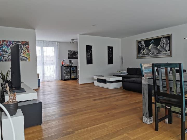 Zimmer in Attika Wohnung