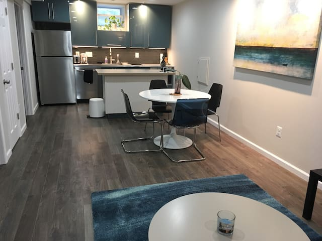 Hi-End Remodeled Accessory Apartment 15min from DC