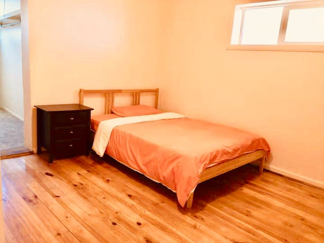 Large private room on a convenient location
