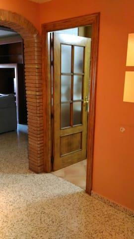 Piso céntrico 3 dormitorios dobles - Armilla - Huoneisto