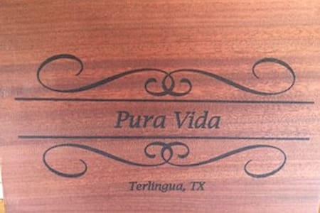 The Pura Vida Retro RV - Very Cool BNB - Terlingua