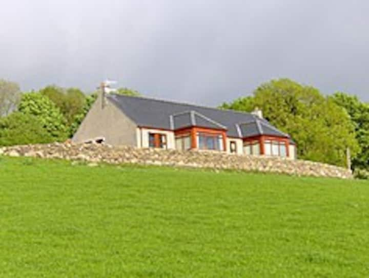 Cnoc Glass Cottage