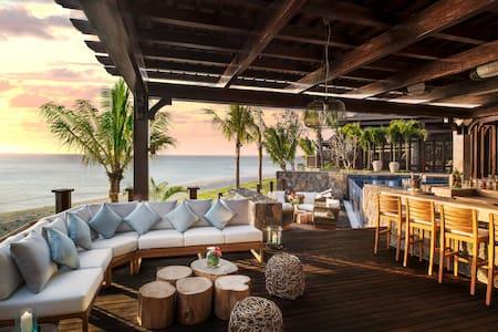Stunning St. Regis 2 Bedroom Villa - Le Morne - Willa