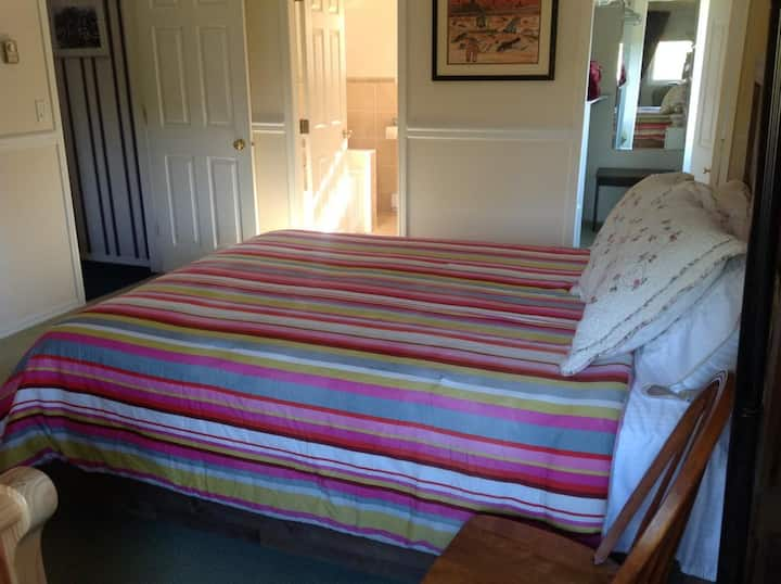 Laurel's Cottage - Private Triple Bedroom by Elevate Rooms