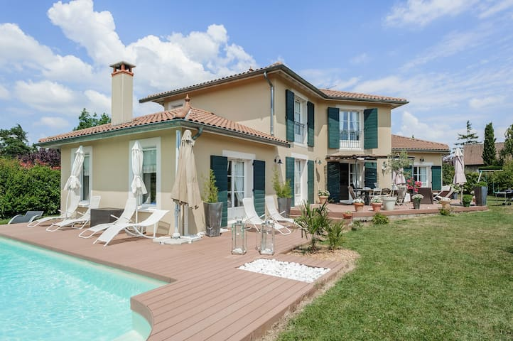 2150sq.ft Family House & Swmg Pool - Dardilly - House