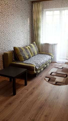 Комната возле Комаровского рынка
