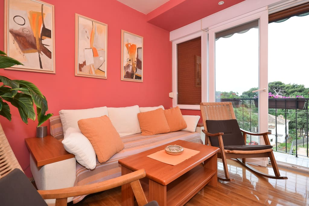 Living room-balcony, airconditioning, LCD TV