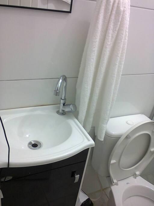 pia, banheiro