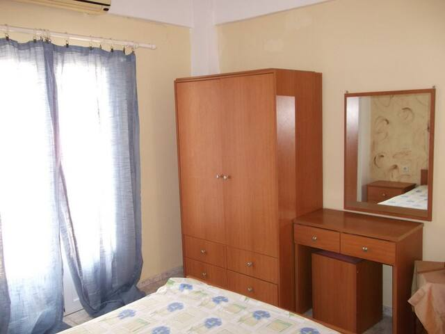 Beautiful cozy private apt 3' from t beach! (n13) - Heraklion - Daire