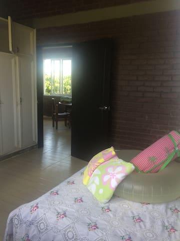Casa Campestre Remodela, amoblada en Cerritos - Pereira - Dům pro hosty