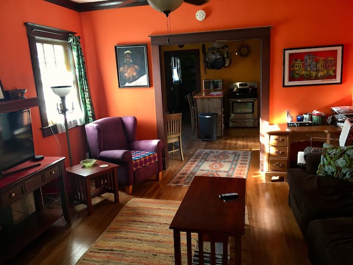 Apartment Midtown/Park. See summary for deals!