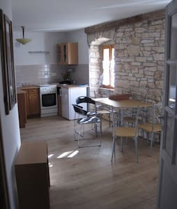 Appartement 2 for 6+1 persons  - Muntić - Flat