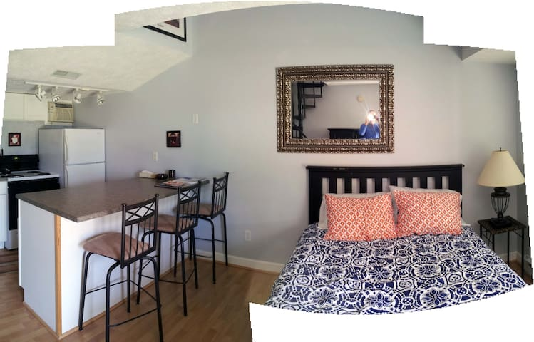 Updated and Charming 1950s Motel - Saugatuck - Apartamento