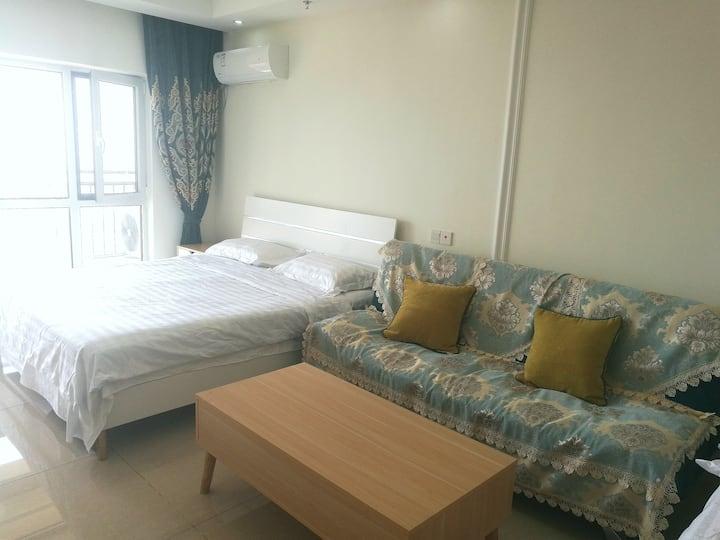 躺在床上看大海纯海景房家庭公寓