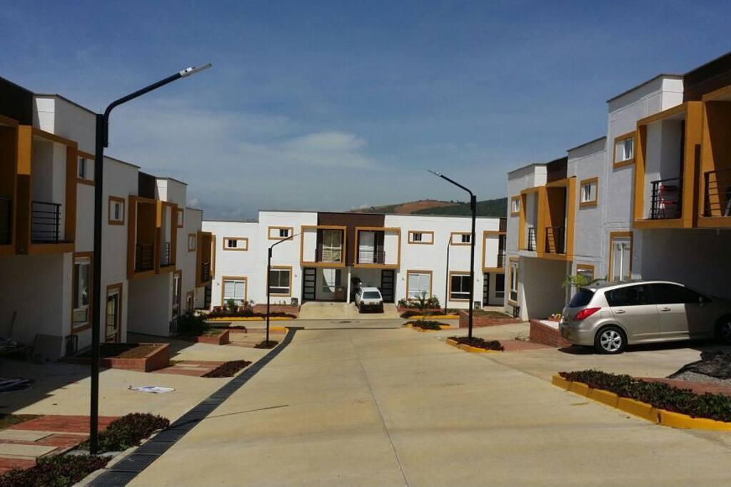 Casas dotadas con parqueadero