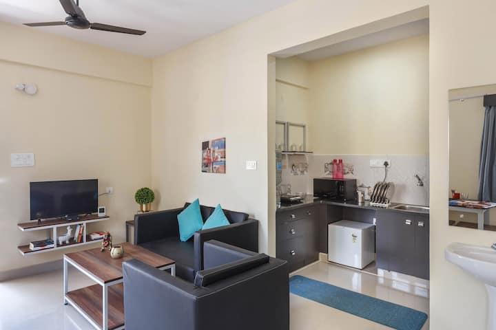 D: 1.5 BHK @ BROOKEFIELD with WiFi + Kitchen
