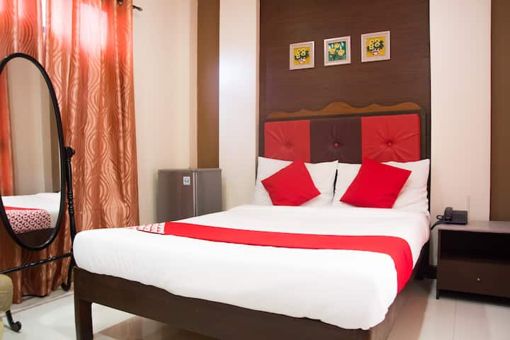 Deluxe Double Stay @ Monclaire Suites