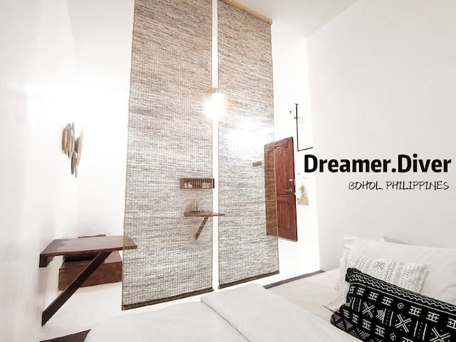 Dreamer.Diver RoomC