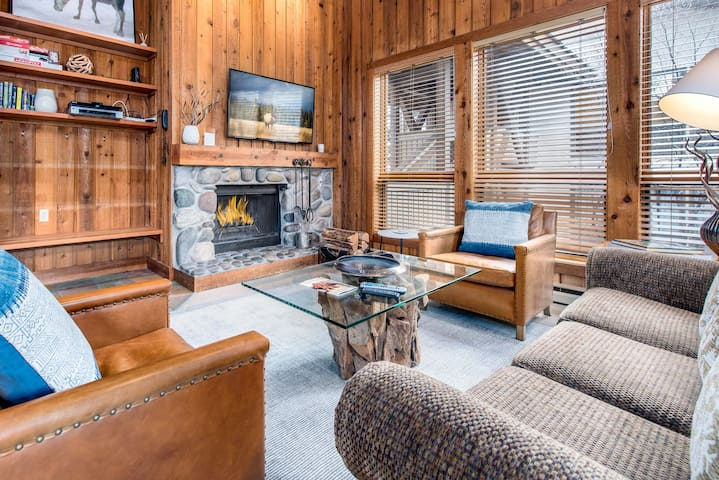 Outpost: Nez Perce C5 - Renovated 2 Bed/2 Bath