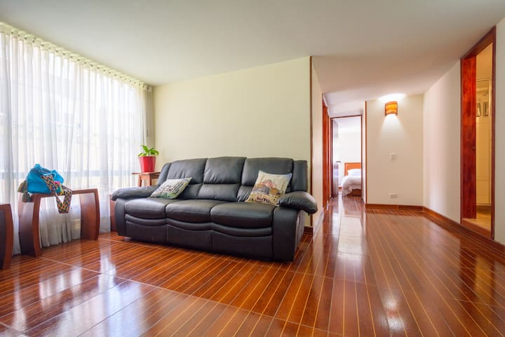 !NEW! FREE PICK UP SERVICE&FRONT TO TRANSPORT STOP - Bogota - Apartment