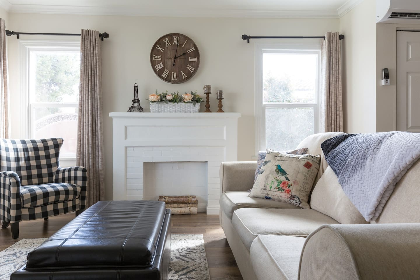 French Country farmhouse inspired. Spacious living room to a total of 850 Sq Ft living space
