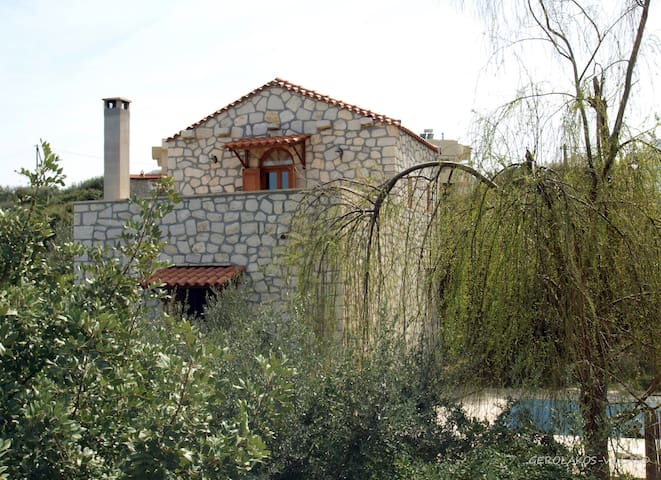 house with priv. pool near the sea  - Σφακάκι - Casa