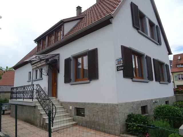 Gite au pied du château du Haut Koenigsbourg 3 *** - Saint-Hippolyte - Apartament