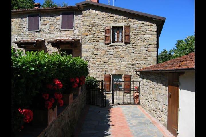CASA CIABATTI - Castel Focognano - Casa