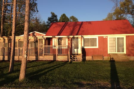 Lake Champlain Cottage Rental - Swanton - House