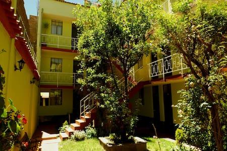 El Manzano Casa de Huespedes Hostel en Puno